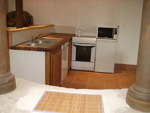 Le petit coin cuisine bonnieux id e inspirante pour la conception de la maison - Le bon coin cuisine equipee ...